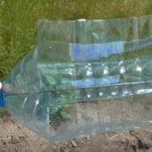 Ветряной отпугиватель от птиц из пластиковой фляги