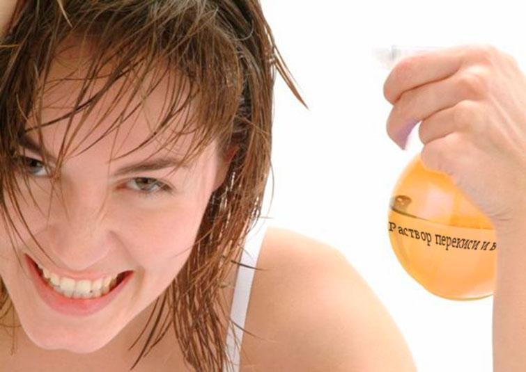 Использования раствора перекиси водорода на волосы