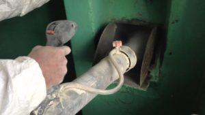 Почему происходит засорение мусоропровода?