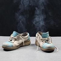 Как убрать запах плесени в обуви: химические средства и народные методы