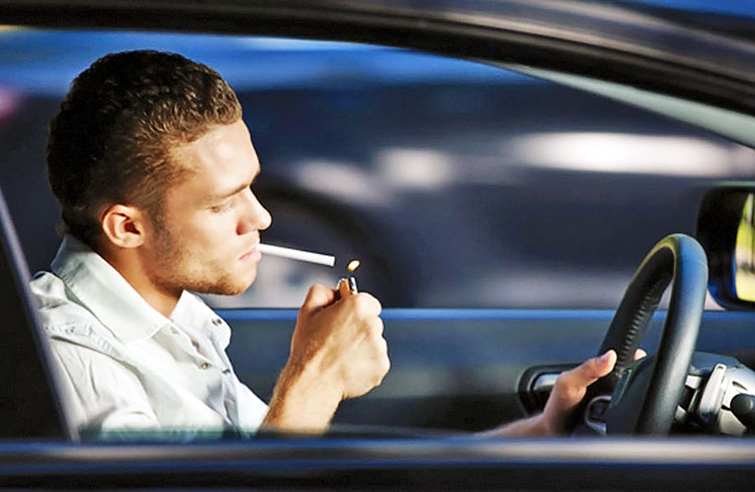Запах сигарет в машине