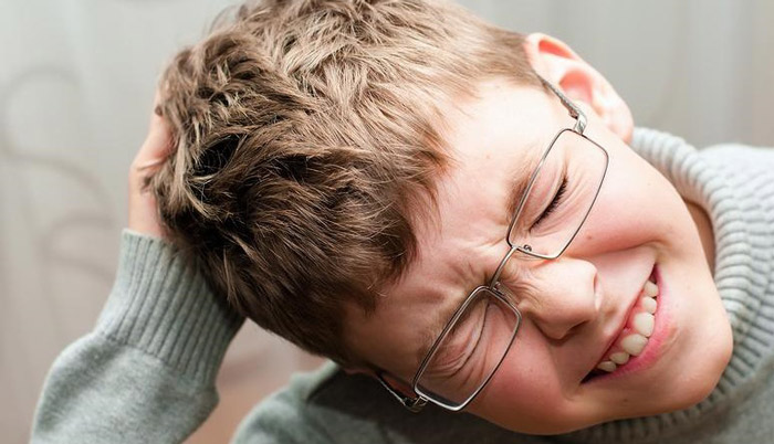 Осмотр детей на педикулез